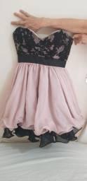 Vestido de festa tomara que caia rosa e preto curto bordado