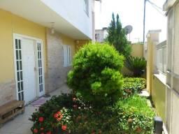 Casa em Itaperuna, 2 quartos, suíte, closet, piscina, 2 vagas de garagem, Cehab