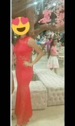 Vendo um vestido longo