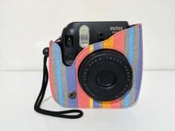 Câmera Instantânea Fujifilm Instax Mini 8 + Capa Protetora com alça + 40 Filmes