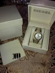 Relógio Diesel DZ-4067<br>R$419,00