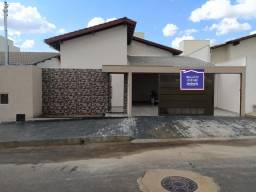 Linda casa com piscina á 5min do Centro de Araxá