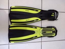 Nadadeira de mergulho com regulagem