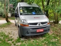 Renault Master Completa Cor Prata em ótimo estado