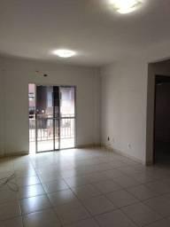 Aluga-se apartamento no Residencial Paineiras.