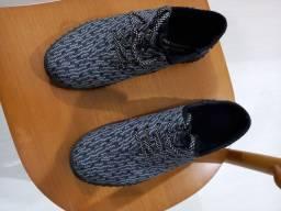 Título do anúncio: Vendo sapatènis e sapato afivelado de couro