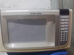 Microondas Eletrolux 200 pra vender logo