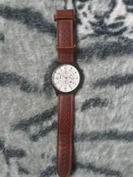 Título do anúncio: Relógio UNISSEX Com fundo branco