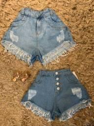 Bermudas , blusinhas e shorts jeans.