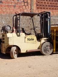 Vende se Empilhadeira Yale
