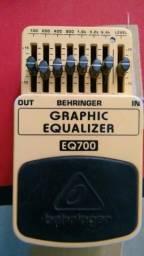 Pedal Equalizador Baixo Behringer BEQ700