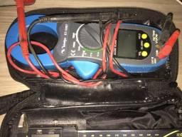 Paquímetro e Alicate Amperímetro Digital