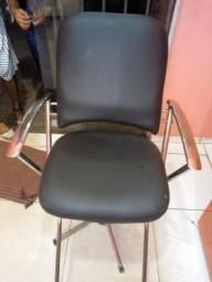 Vendo uma cadeira hidráulica para salão