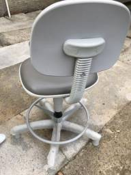 Cadeira giratória a gas