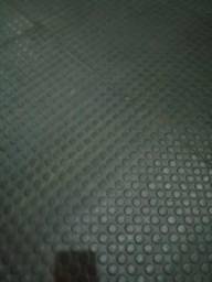 Borracha de piso usada
