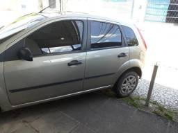 Vendo um carro Ford fiesta completo - 2012