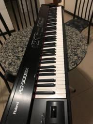 Piano elétrico roland