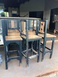 Banquetas e mesa (madeira / mdf)