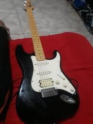 Guitarra Seme nova washburn lyon series 500 aceito propostas