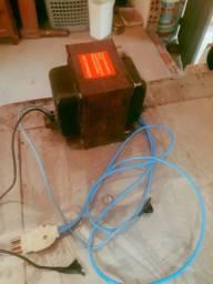 Vendo transformador de 110-220 semi novo