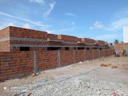 Casa em nova mangabeira, 02 quartos c/ suíte