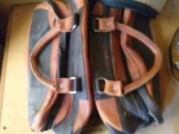 Bolsa e couro artesanal