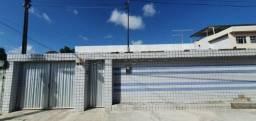 Título do anúncio: AC1027- Casa toda murada e garagem, no Barro vem conhecer!