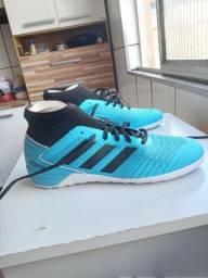 Sapato de futsal Adidas predador original(botinha) N°39