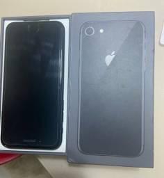iPhone 8 semi novo