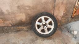 Vende se uma roda