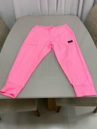 Calça cropped rosa neon moletinho