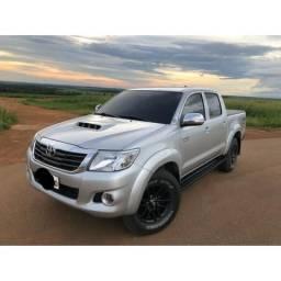 HILUX SRV 4X4 Diesel automática - 2013