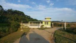 Sítios de 5.000m², planos e urbanizados, em Sampaio Corrêa, Saquarema ao lado de Jaconé