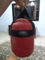 Saco de boxe punch pequeno com as luvas zerado