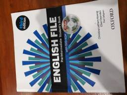 English File pre-intermediate student´s book and workbook