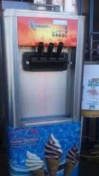 Vende-se máquina de sorvete (trimaksul)