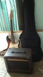 Guitarra com a capa e caixa