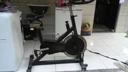 Bicicleta de spinning de academia 450