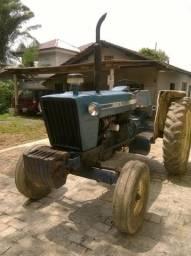 Trator Ford 6600 com roçadeira