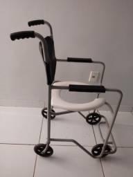 Cadeira de Roda para banho