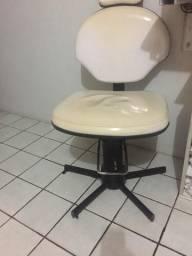 Cadeira hidráulica 250,00