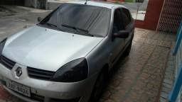 Clio Sedan Authentique 1.0/16V - 2006