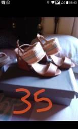 Vendo calçados feminino semi novo