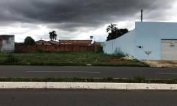 Terreno comercial no Residencial Itaipu