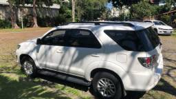 Toyota Hilux SW4 flex blindada