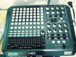 Controladora Midi - Akai APC40