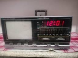 Tv, Radio e Relógio antigo