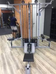 Máquina para musculação 4 estações
