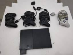 Playstation 2 com 4 josticks e 1 cartão de memoria