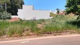 Terreno de esquina comercial e residencial